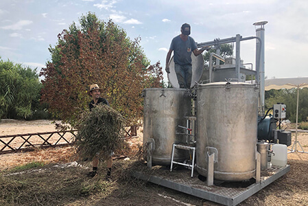"""L'activité """"Distillerie"""" de la dociété Un Mas en Provence à Bellegarde dans le Gard"""